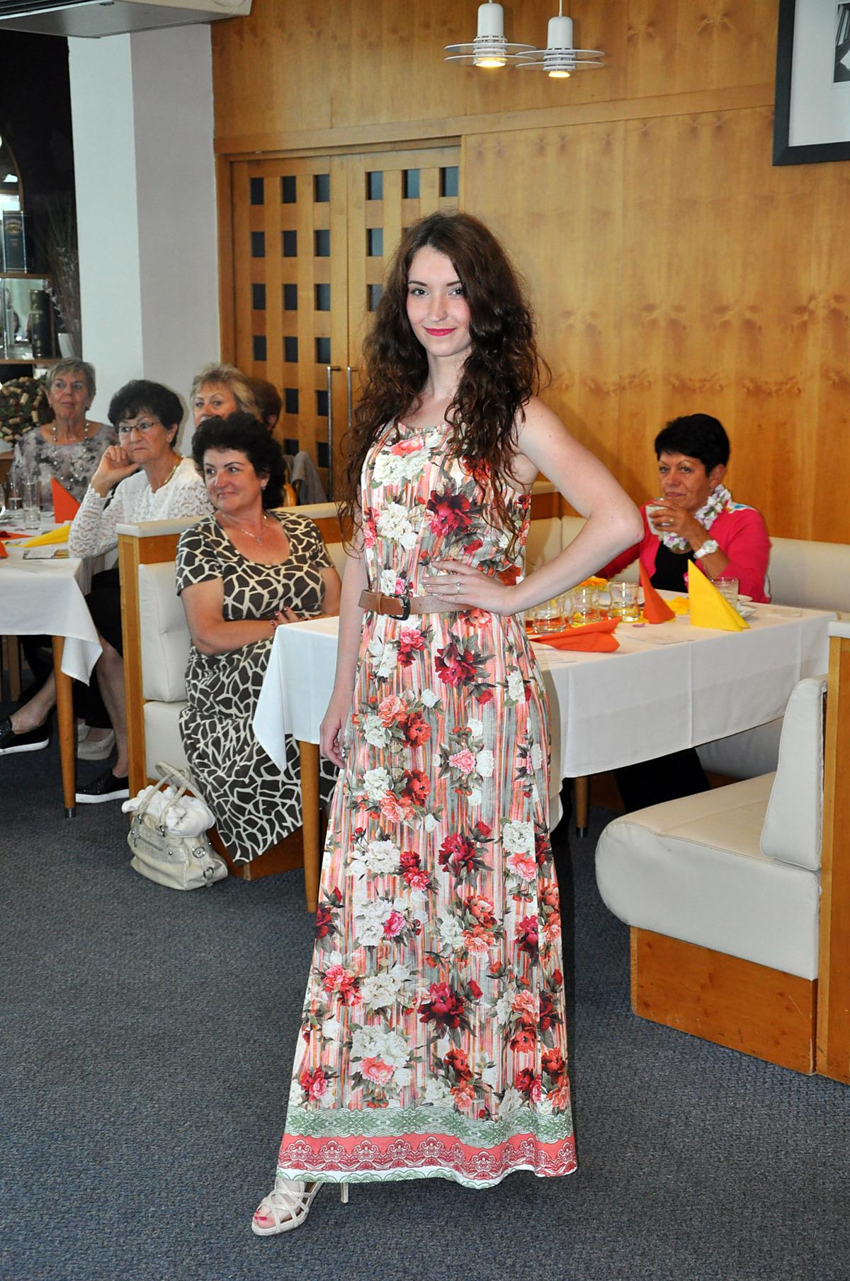 9b292a874227 Restaurace Harmonie prožila žhavé květinové léto