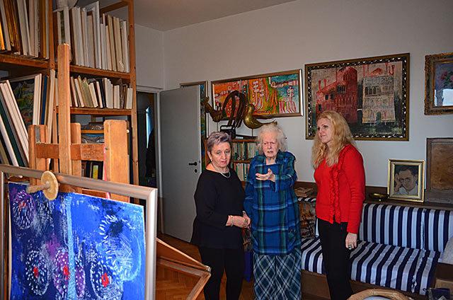 Kamila Vojzolová, Dana Hlobilová a Lada Galová ve střešovickém ateliéru